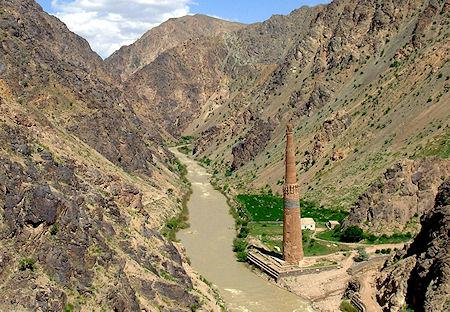 The Minaret Of Jam Becomes The Leaning Tower Of Ghor Quintessentialruminations
