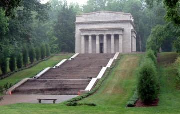 Lincoln-Memorial-Building